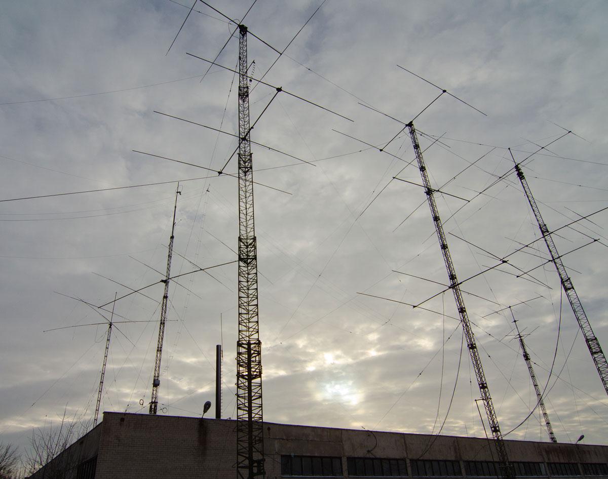 LY7A antennas farm
